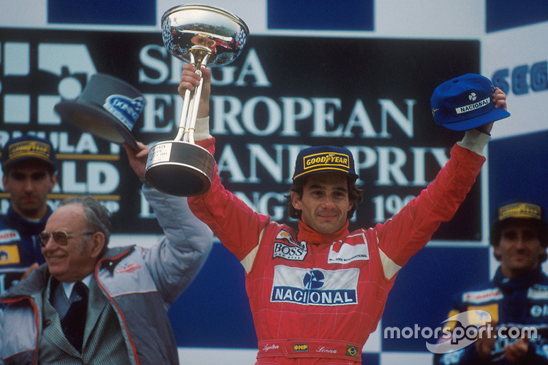 Podium: 1. Ayrton Senna, McLaren MP4/8 Ford; 2. Damon Hill, Williams FW15C Renault; 3. Alain Prost, Williams FW15C Renault