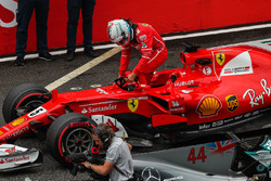 Sebastian Vettel, Ferrari SF70H, llega a parc ferme