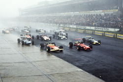 Start: Chris Amon, Ferrari 312 leads