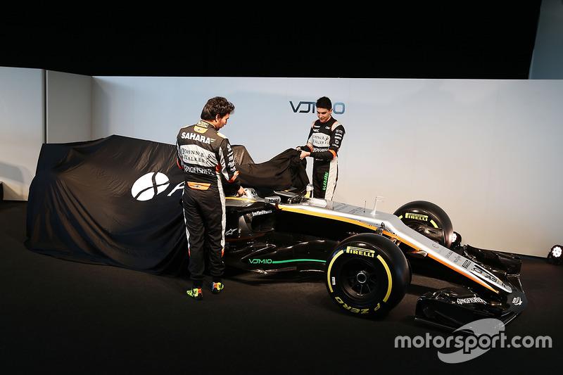 Sergio Perez en Esteban Ocon onthullen de Sahara Force India F1 VJM10