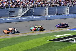 Daniel Suárez, Joe Gibbs Racing Toyota, Kyle Busch, Joe Gibbs Racing Toyota, Denny Hamlin, Joe Gibbs Racing Toyota