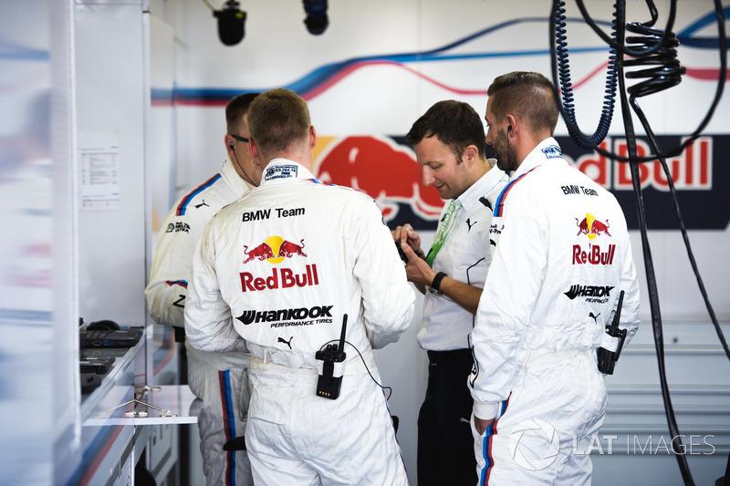 Члени команди Марко Віттмана, BMW Team RMG, BMW M4 DTM