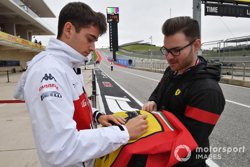 Charles Leclerc, Alfa Romeo Sauber F1 Team firma autografi