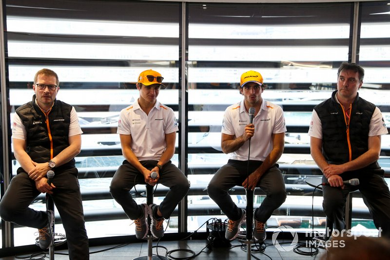 Andreas Seidl, Team Principal, McLaren, Lando Norris, McLaren, Carlos Sainz Jr., McLaren, and James Key, Technical Director, McLaren