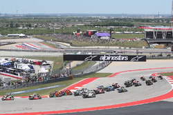 Старт гонки: лидирует Марк Маркес, Repsol Honda Team
