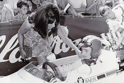 Les Rangiers 1967, Jo Siffert con la prima moglie Sabine, Lola-BMW F2
