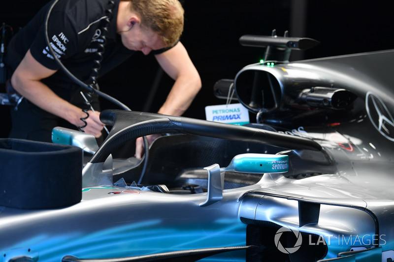 Mercedes-Benz F1 W08 con el Halo