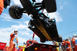 Эвакуация Mercedes AMG F1 W08 Валттери Боттаса
