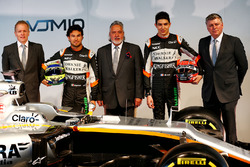 (L to R): Andrew Green, Sahara Force India F1 Team Technical Director; Sergio Perez, Sahara Force India F1; Dr. Vijay Mallya, Sahara Force India F1 Team Owner; Esteban Ocon, Sahara Force India F1 Team; Robert Fernley, Sahara Force India F1 Team Deputy Team