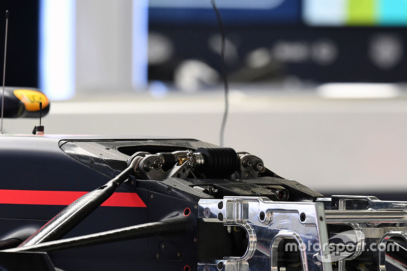 Red Bull Racing RB13 front detail