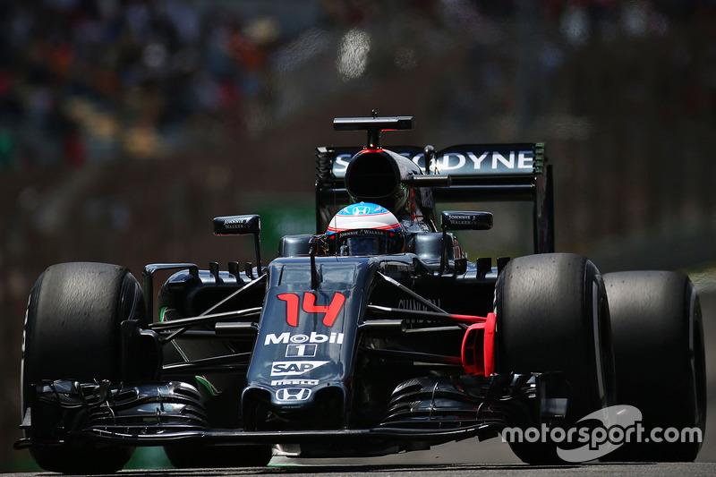 10: Fernando Alonso, McLaren MP4-31