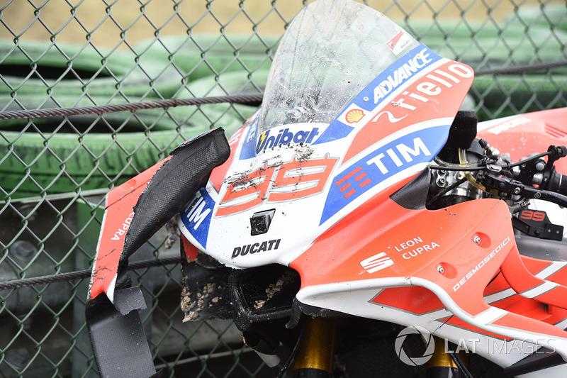 La moto endommagée de Jorge Lorenzo