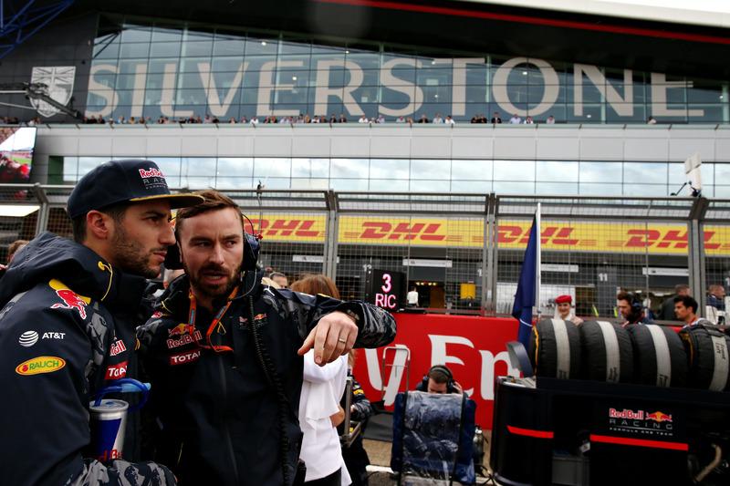 Daniel Ricciardo, Red Bull Racing RB12 at the grid