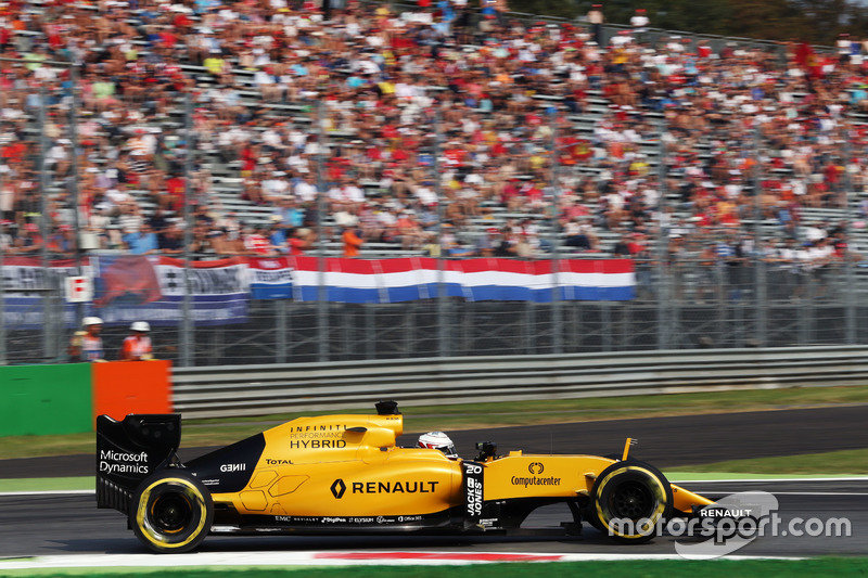 Kevin Magnussen, Renault Sport F1 Team RS16