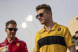 Sebastian Vettel, Ferrari et Nico Hulkenberg, Renault Sport F1 Team lors de la parade des pilotes