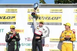 Podyum: Senna Proctor, Power Maxed Racing Vauxhall Astra, Dan Lloyd, BTC Norlin Honda Civic and Tom Chilton, Motorbase Performance Ford Focus
