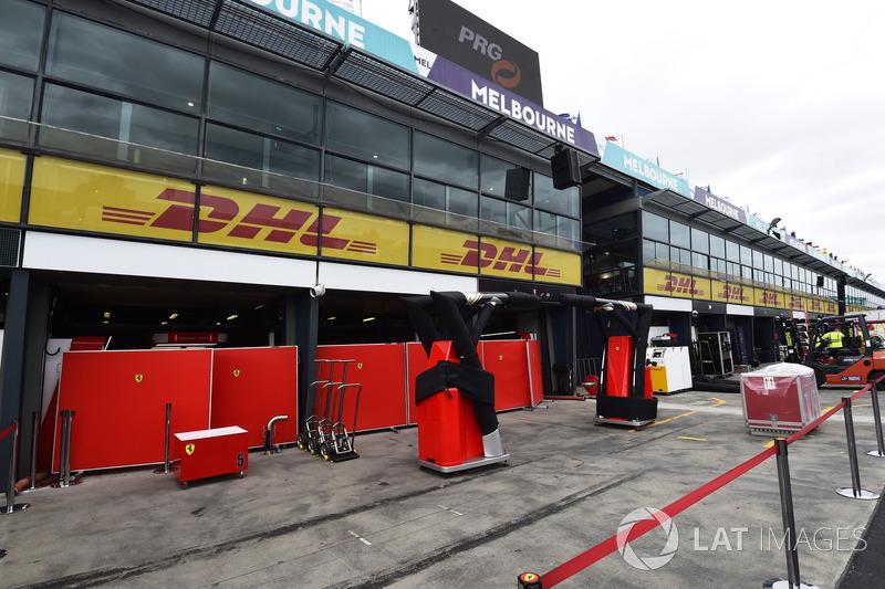 Ferrari garaje