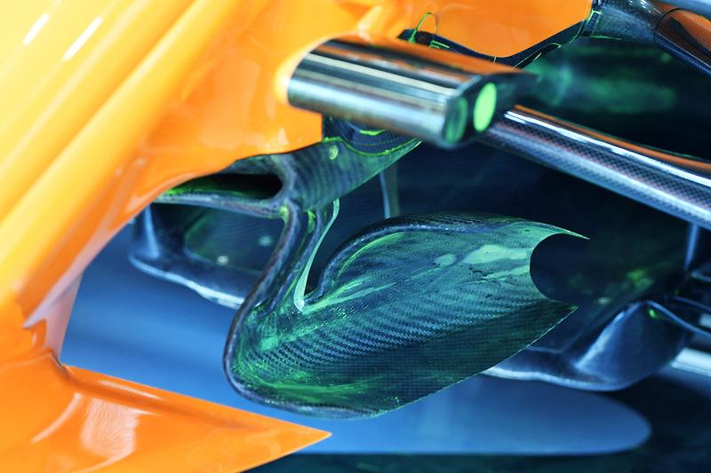 Detalle técnico del McLaren MCL33