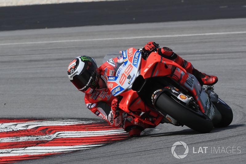 https://cdn-9.motorsport.com/images/mgl/YNyrB7W2/s8/motogp-sepang-january-testing-2018-jorge-lorenzo-ducati-team.jpg