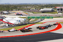 Sebastian Vettel, Ferrari SF70H, Lewis Hamilton, Mercedes AMG F1 W08, Valtteri Bottas, Mercedes AMG F1 W08, Daniel Ricciardo, Red Bull Racing RB13, Kimi Raikkonen, Ferrari SF70H, Esteban Ocon, Sahara Force India F1 VJM10, Fernando Alonso, McLaren MCL32, Ca