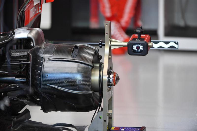 Ferrari SF71H wheel hub