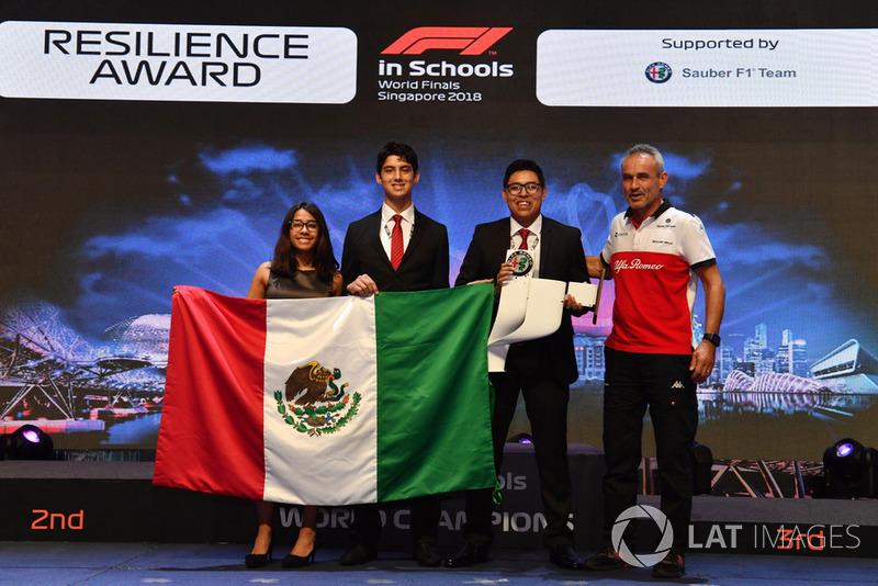 Beat Zehnder, Alfa Romeo Sauber F1 Team Manager con los ganadores