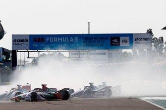 Daniel Abt, Audi Sport ABT Schaeffler, Audi e-tron FE05 leads Robin Frijns, Envision Virgin Racing, Audi e-tron FE05 and Sam Bird, Envision Virgin Racing, Audi e-tron FE05