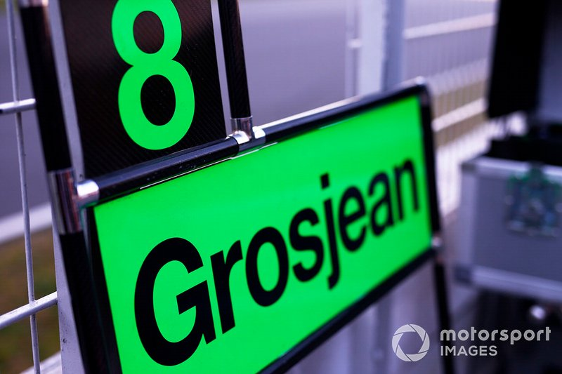 Pit board for Romain Grosjean, Haas F1 Team