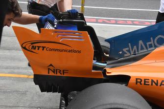Fernando Alonso, McLaren MCL33, dettaglio dell'ala posteriore