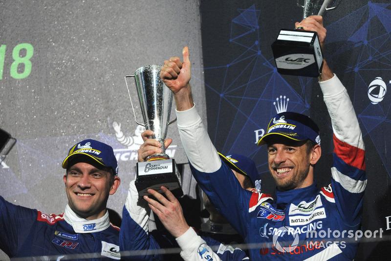 Troisième place : Vitaly Petrov, Jenson Button, SMP Racing
