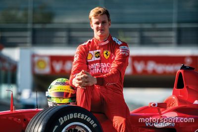 Mick Schumacher au volant de la Ferrari F2002