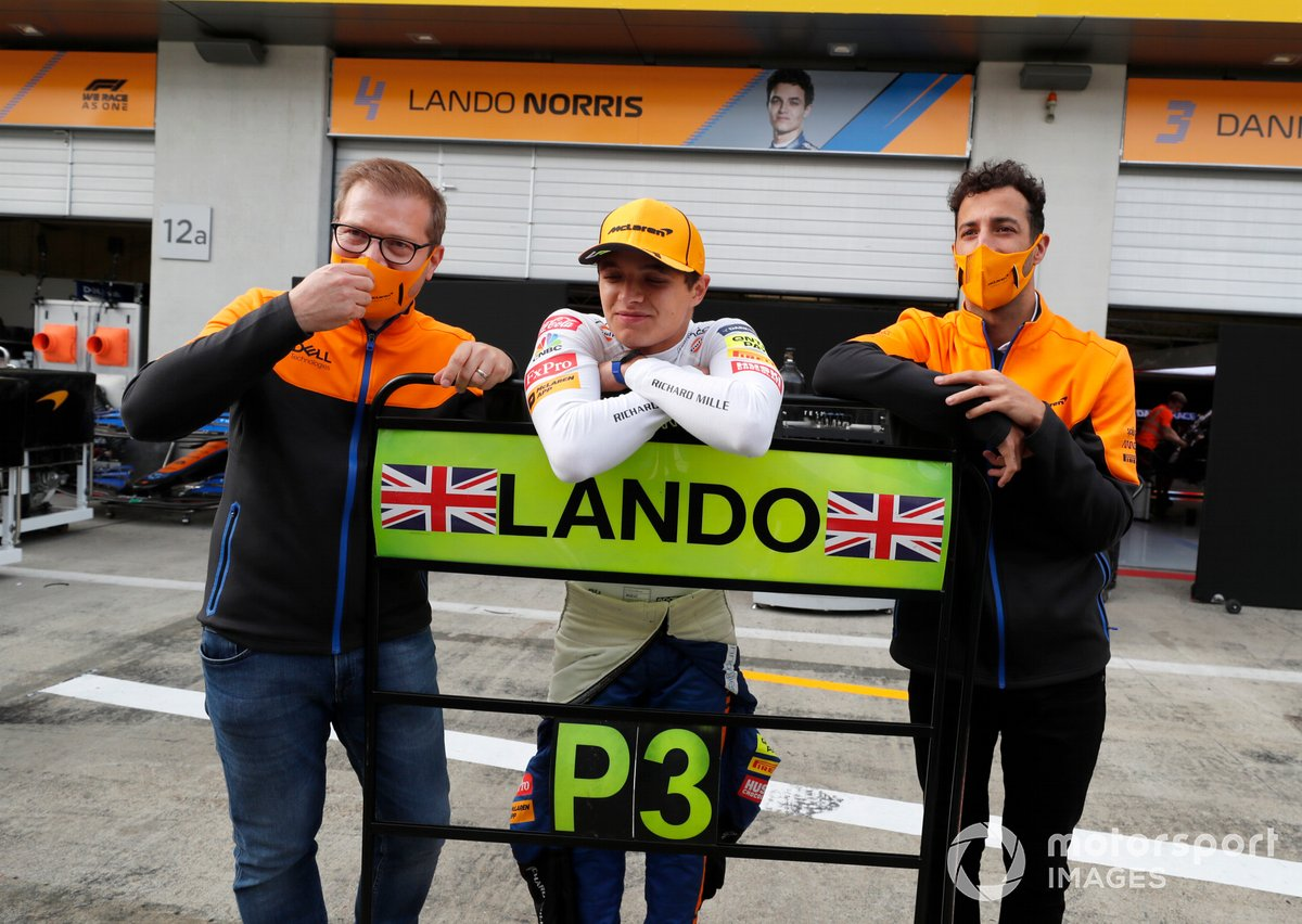 Andreas Seidl celebrates with Lando Norris and Daniel Ricciardo after 2021 Austrian GP