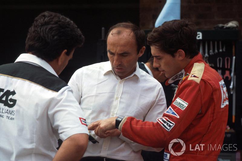 Ayrton Senna, habla de su primera vuelta en el Williams FW08C con el dueño Frank Williams y Allan Challis manager del equipo Williams
