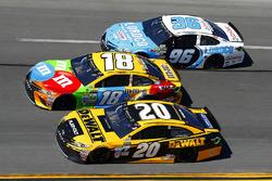 Matt Kenseth, Joe Gibbs Racing Toyota, Kyle Busch, Joe Gibbs Racing Toyota and D.J. Kennington, Gaunt Brothers Racing Toyota