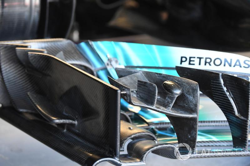 Mercedes-Benz F1 W08: Frontflügel
