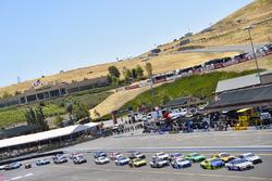 Chris Buescher, JTG Daugherty Racing Chevrolet, Brad Keselowski, Team Penske Ford