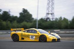 #51 Harrods McLaren F1 GTR: Енді Воллес, Дерек Белл і Джастін Белл
