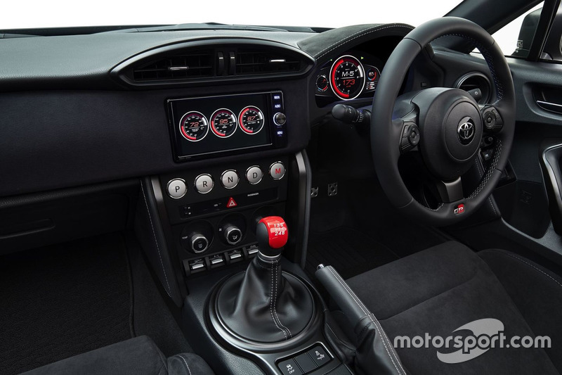 Toyota GR HV Sports, interior