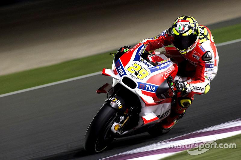 Andrea Iannone (Ducati), gestürzt