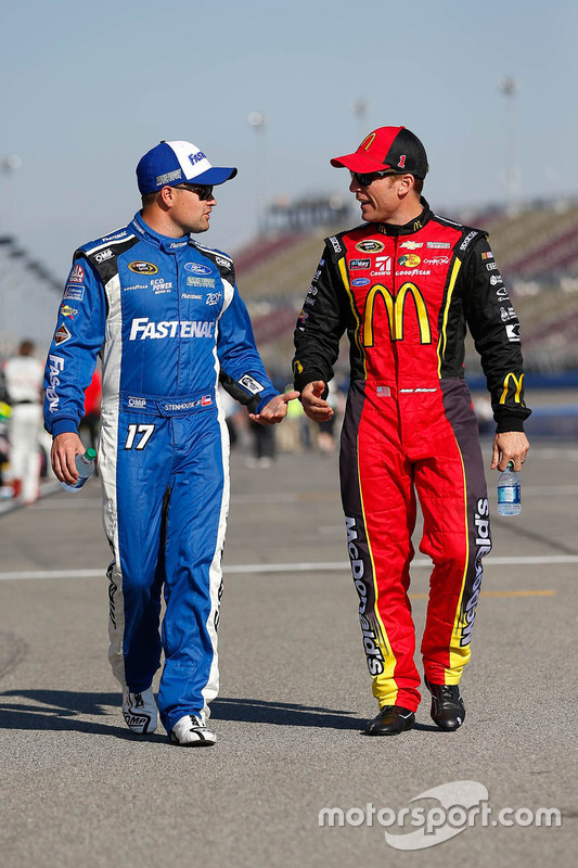 Ricky Stenhouse Jr., Roush Fenway Racing Ford, Jamie McMurray, Chip Ganassi Racing Chevrolet