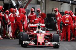 Пит-стоп: Себастьян Феттель, Ferrari SF16-H
