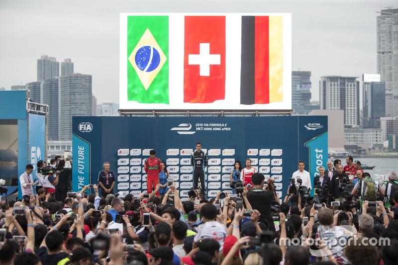 المنصة: الفائز بالسباق سيباستيان بويمي، رينو إي.دامس، المركز الثاني لوكاس دي غراسي، أبت شايفلر أودي سبورت، المركز الثالث نيك هايدفيلد، ماهيندرا ريسينغ
