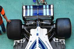 Williams FW40 suspensión trasera y alerón trasero