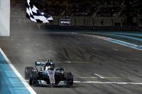 Checkered flag Valtteri Bottas, Mercedes F1 W08