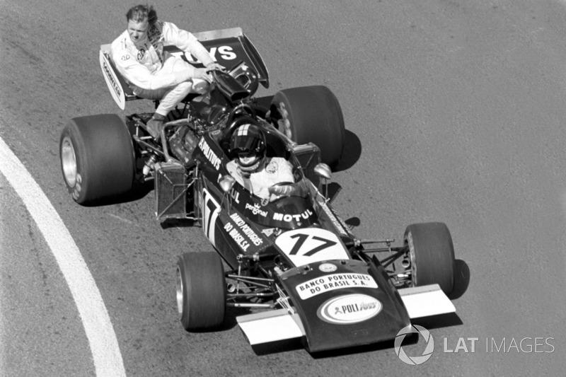 Dijon 1974: Ronnie Peterson (Tyrrell) menumpang Carlos Pace (Williams)