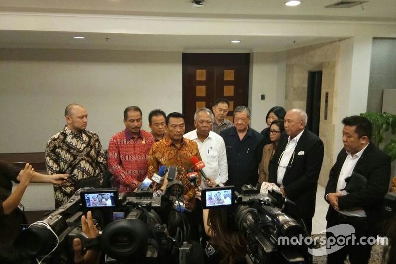 Kepala Staf Kepresidenan (KSP), Moeldoko; Menteri Pariwisata, Arief Yahya; Direktur Sentul, Tinton Soeprapto dan Ananda Mikola