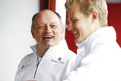 Frederic Vasseur, Sauber Team Principal, Marcus Ericsson, Sauber