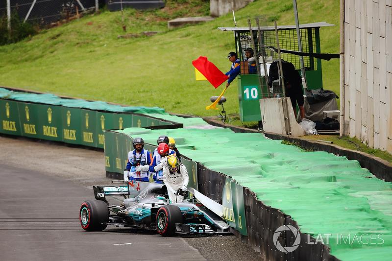 Mas as esperanças do britânico de conquistar sua 73ª pole terminaram já na primeira volta do Q1