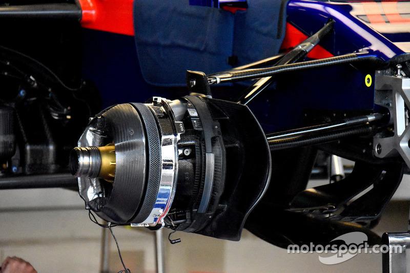 Scuderia Toro Rosso STR13, fékrendszer