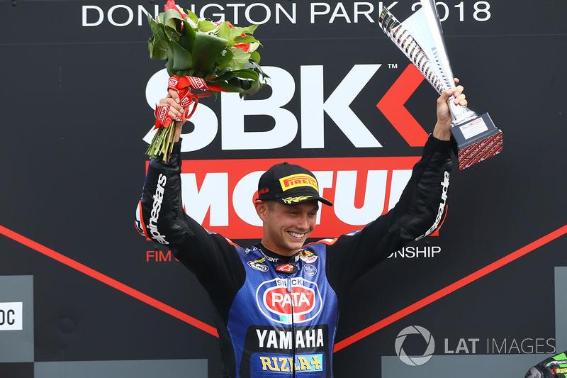 Podio: ganador de la carrera Michael van der Mark, Pata Yamaha